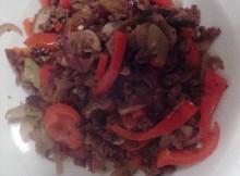 Low Carb: Rindfleischhack Gemüsepfanne